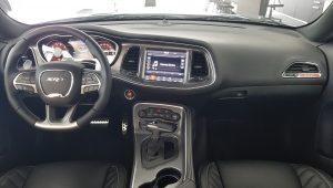 Dodge Challenger SRT Hellcat – interiér